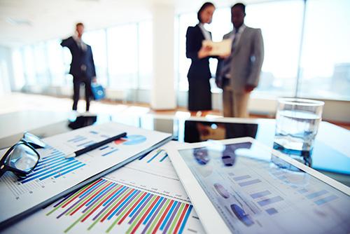 Ce sunt dashboard-urile KPI pentru departamente?